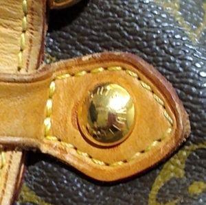 Louis Vuitton Bags - Authentic Louis Vuitton